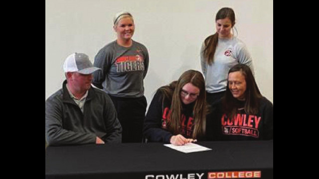 Taylor Mercer signs with Cowley C